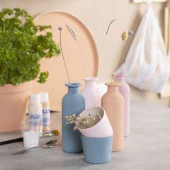 Gipsmålade vaser, krukor & brickor