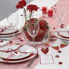 Meny och bordskort, dekorerad med 3D-jordgubbar av strukturpapper
