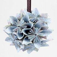 Blomsterdekoration av vikt papper