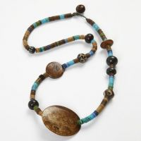 Halsband med Indian Beads