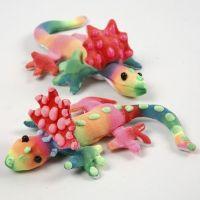 Målade textildjur, dekorerade med 3D Puff liner