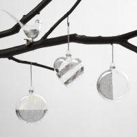 Fågel, hjärta och kula av glas, dekorerad med bladsilver