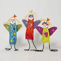 Färgglada änglar av gipsgaze och bonzaitråd