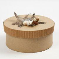 Vågpapp, fjädrar och snäckor på ask med lock