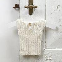 Sticka till baby - undertröja av mjukt babygarn av merinoull