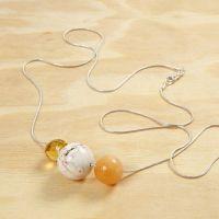 Pärlor på lång silverkedja