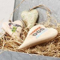Hjärta av trä, dekorerad med decoupagepapper