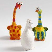 Fåglar av frigolit och bonzaitråd  klädd med pulp