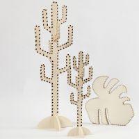 Kaktus och blad dekorerad med brännpenna.