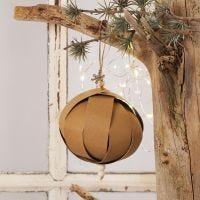 Julkulor av läderpapper