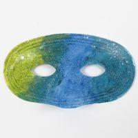 Måla på plastmasker