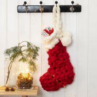 Virkad julstrumpa till adventspaketen