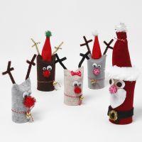 Jultomtar och renar gjorda av toarullar