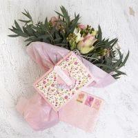 Shaker kort och kuvert dekorerad med handgjort papper