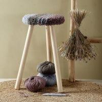 Sittdyna till pall gjord med punch needle