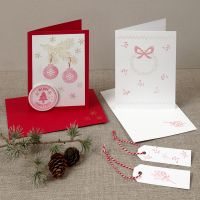 Ett julkort med stämplade mönster