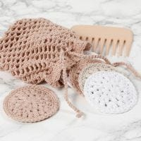 Virkade rengöringspads och tvättpåse