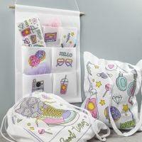 Textilier dekorerade med tusch