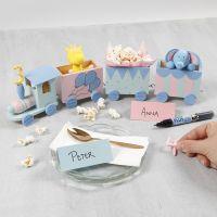 Födelsedagståg dekorerad med hobbyfärg samt siffror och djur i Silk Clay